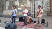 Il gruppo Blues Around in largo Boccaccino